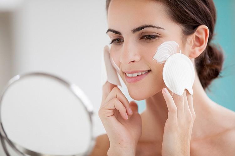 Косметологи рассказывают, как спасать кожу зимой: 8 бесценных советов
