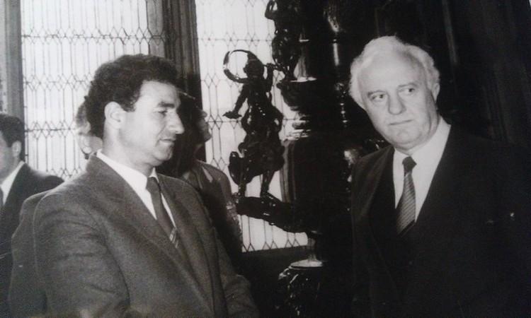 Господин Аль-Вади с министром иностранных дел СССР Эдуардом Шеварнадзе на деловой встрече.