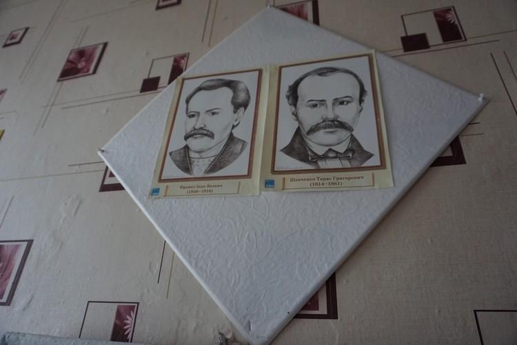 Портреты украинских писателей в школе, которую регулярно утюжат ВСУ.