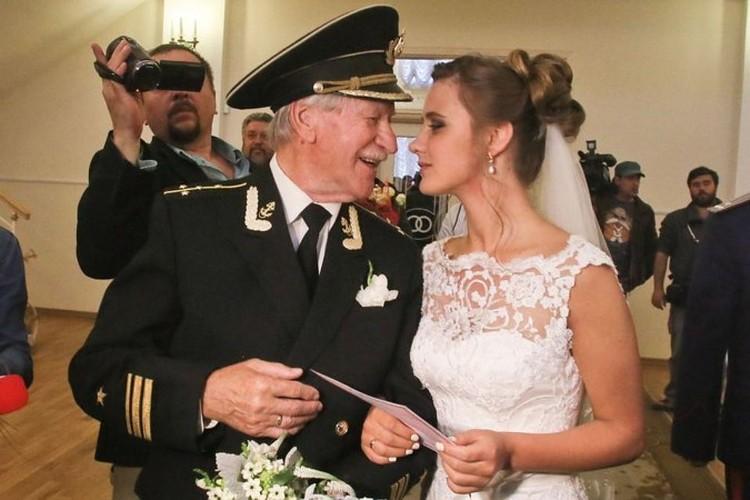 Фотография со свадьбы.