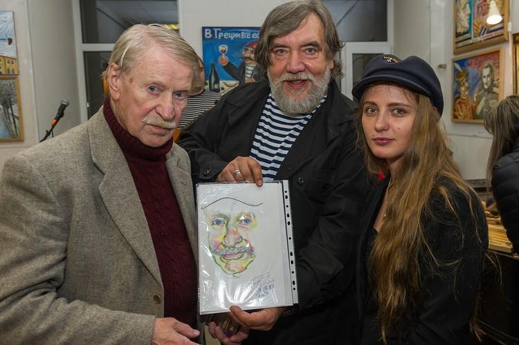 Иван и Наталья на открытии выставки с Дмитрием Шагиным в октябре 2017 года.