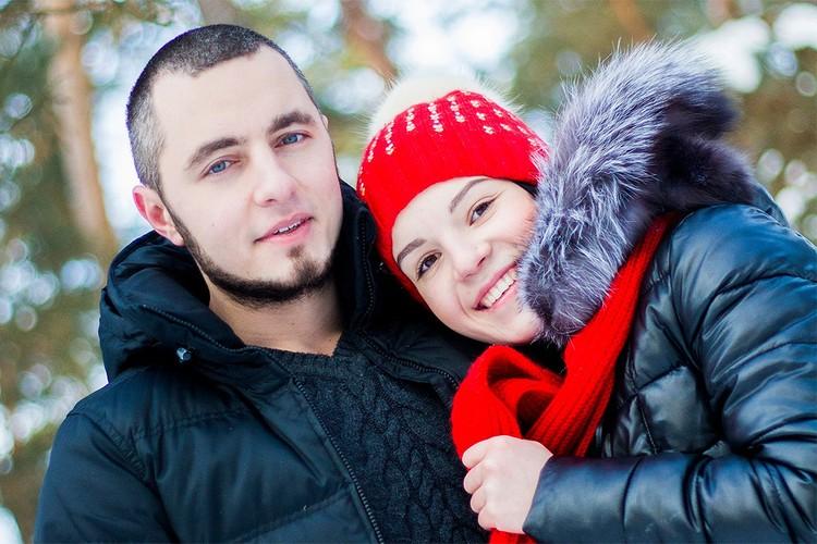 На совместных фотографиях из семейного архива Рита с супругом выглядят счастливой парой.