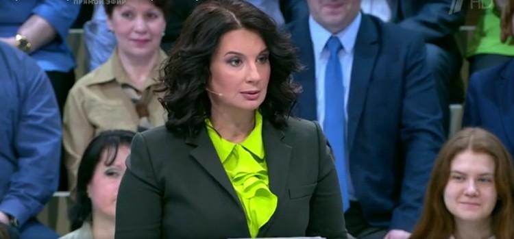 Екатерина Стриженова вышла замуж за своего супруга Александра Стриженова в 18 лет. Она категорически против гражданского брака. Фото: кадр видео.