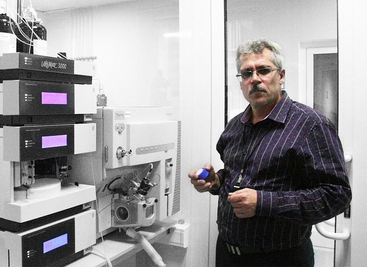 Григорий Родченков заявлял, чтобы в стене в лаборатории в Сочи была дырка, через которую ночью тайно меняли мочу