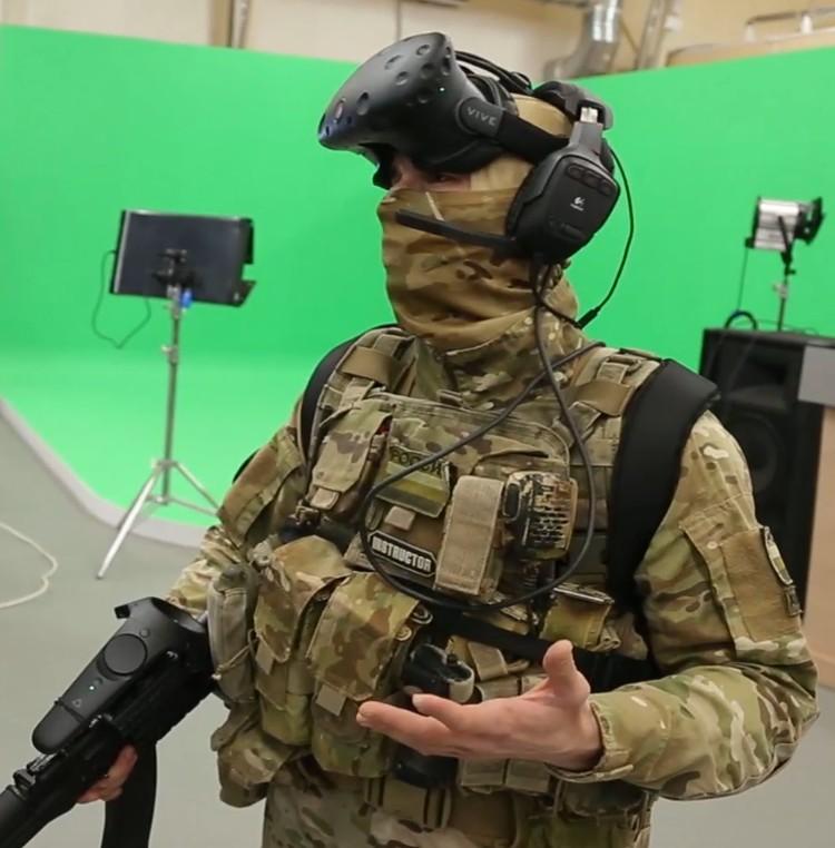 В аппаратном комплексе присутствует шлем виртуальной реальности ФОТО: пресс-служба СамГТУ