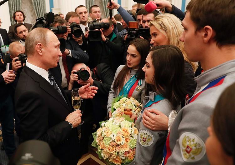 День чествования чемпионов и призеров в Кремле совпал с восстановлением МОК прав Олимпийского комитета России