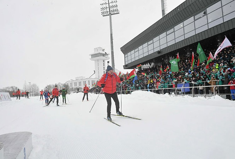 Александр Лукашенко возглавил символическую звездную гонку. Фото: president.gov.by