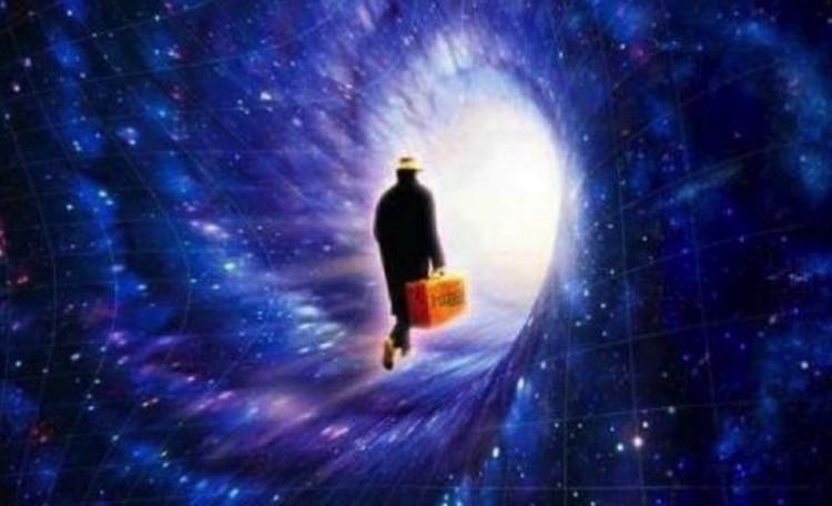 Души умерших вместе с их сознанием воссоединяютмя со Вселенной.