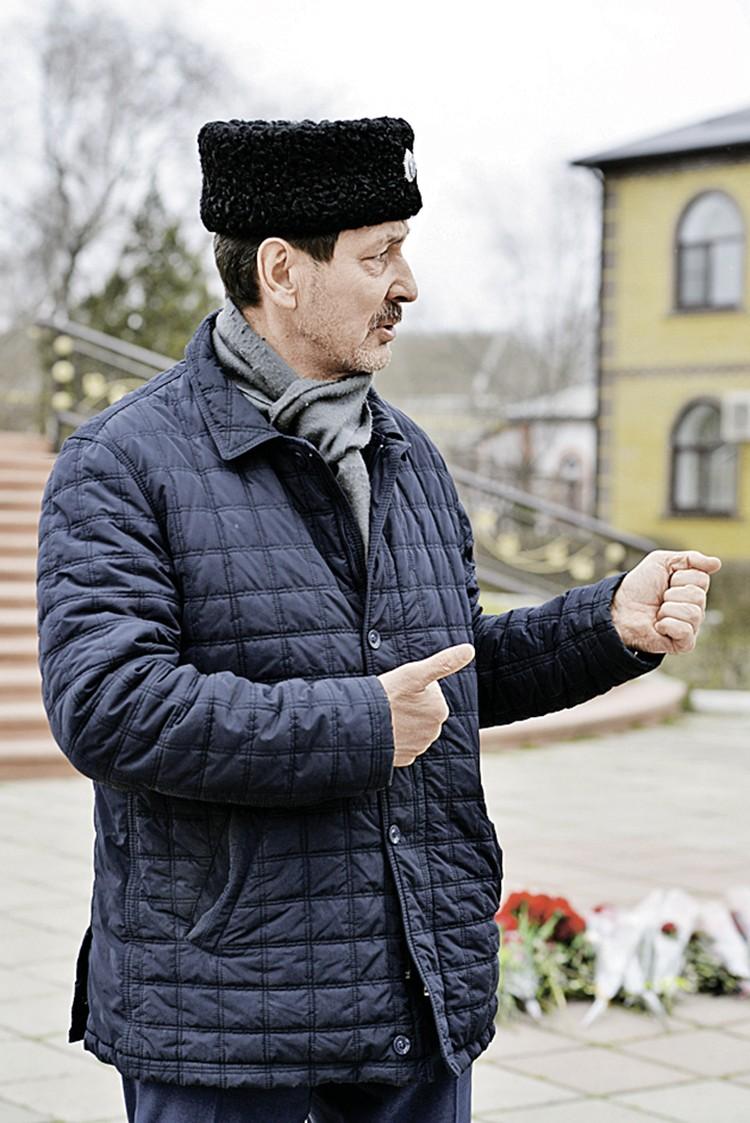 Кизлярский казак Сергей Пресняков защищал свой храм голыми руками.