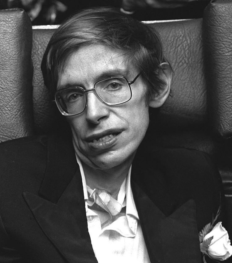 Ученый Стивен Хокинг в 70-е годы.