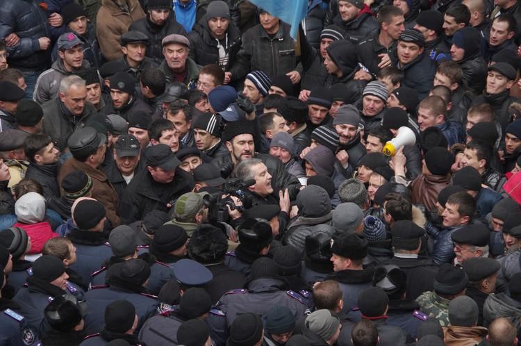 Сергей Аксенов был в гуще событий. Фото: Игорь Охрименко