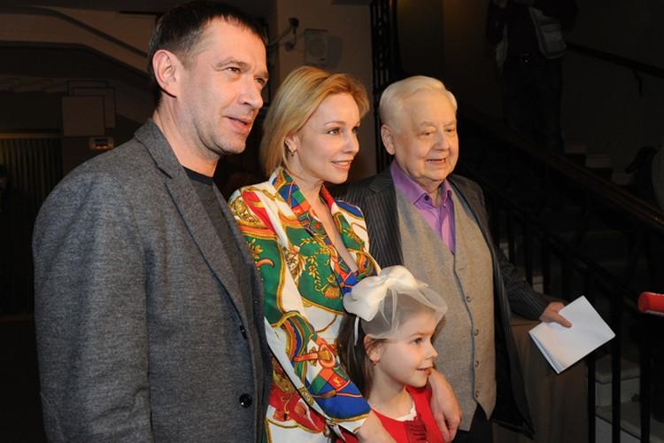 Владимир Машков, Марина Зудина, Олег Табаков и Маша Табакова в МХТ в 2014 году