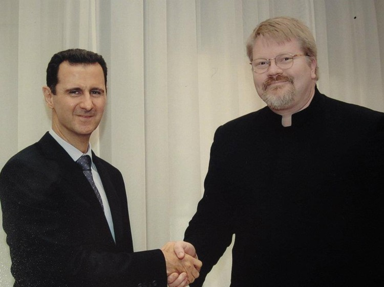 Йохан Бакман (на фото справа), официальный представитель ДНР в Финляндии.