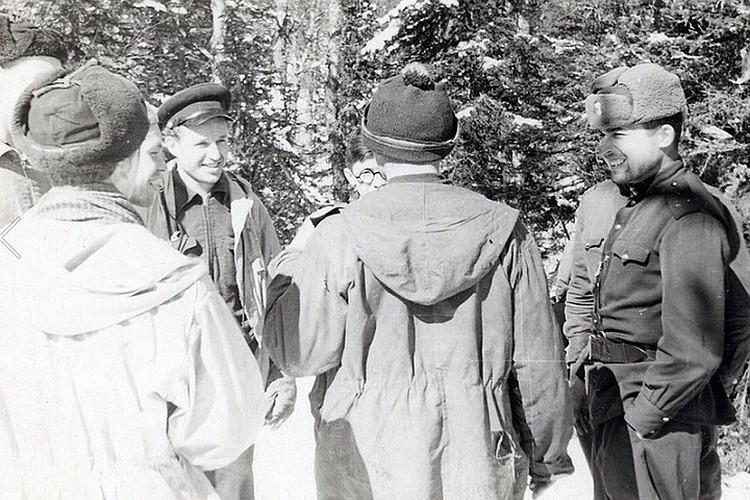 Пропавших туристов искали студенты УПИ и военные. ФОТО из архива фонда памяти группы Дятлова