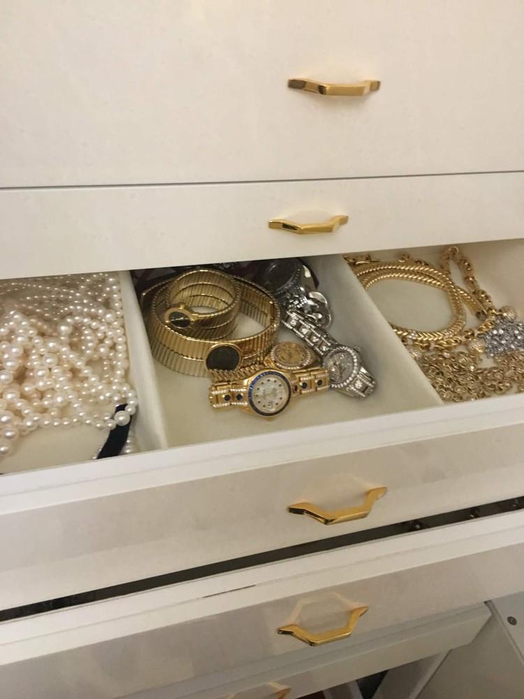 Ювелирные украшения, найденные при обысках Фото: канал Следственного комитета России в «ТамТам»