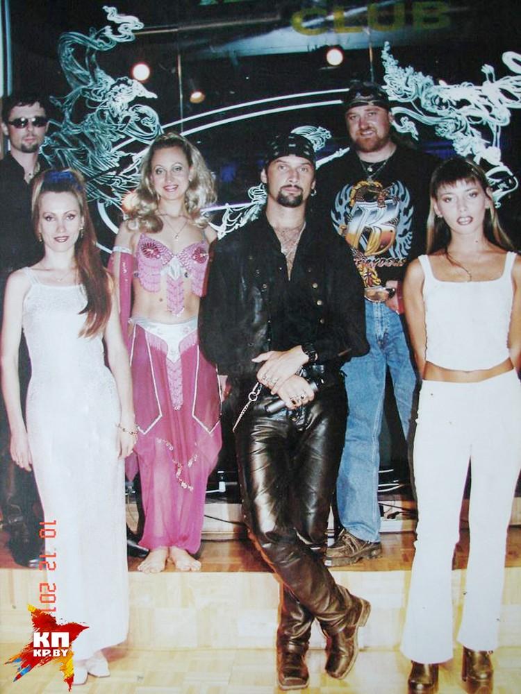 Мог ли подумать устрашающий в 1990-е лидер группы Tornado, что спустя несколько лет станет возить на Ближний Восток клубный герлс-бэнд? Как и о том, что сможет там выступать с рок-составом? Фото: Личный архив