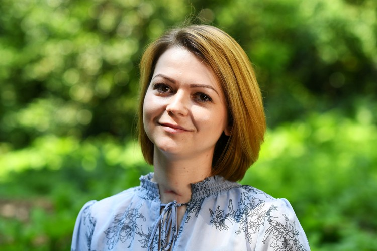 Юлия Скрипаль во время записи своего видеообращения.