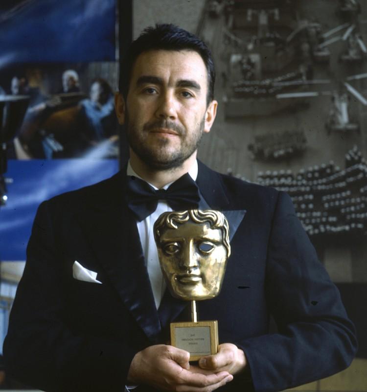 О феномене фильма мы в свое время поговорили со вторым режиссером картины - Евгением Цымбалом