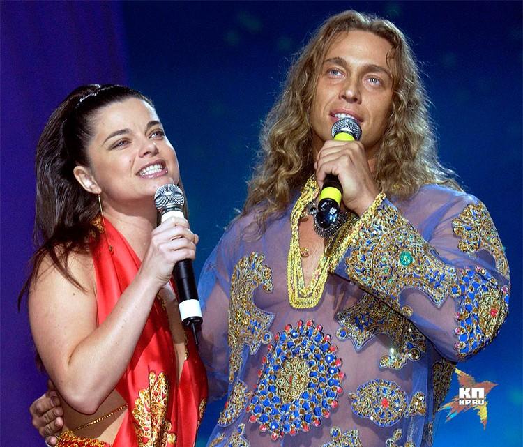 "Наташа Королева и Сергей Глушко (""Тарзан"") на сцене."