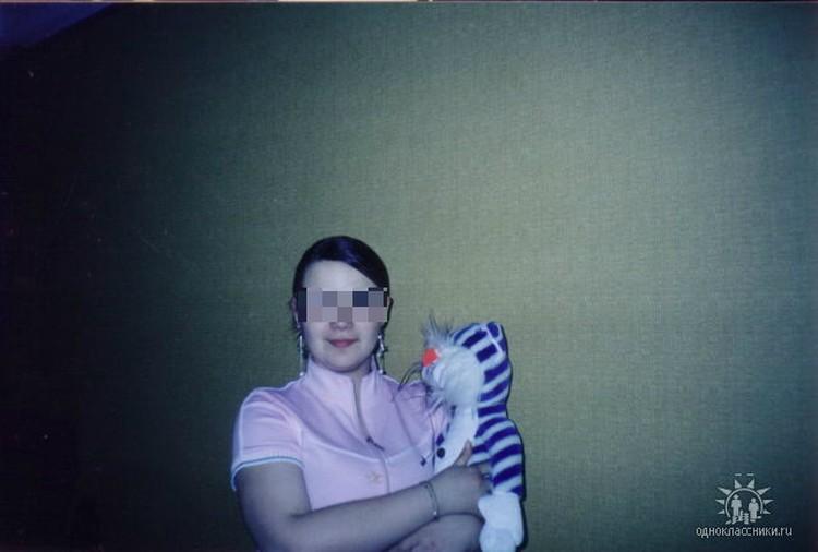 Анна родила в 17 лет и вместе со своей мамой отказалась от малыша