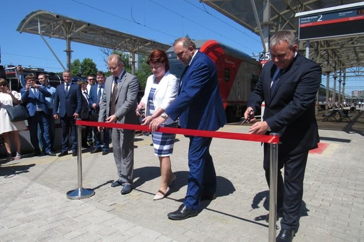 Новые скоростные и при этом невиданно для калининградцев малошумные поезда произведены по технологии Siemens.