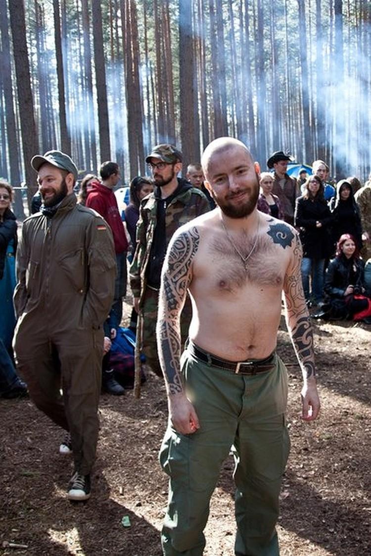 На кривую дорожку Семен встал после знакомства с уральским юристом Василием Федоровичем