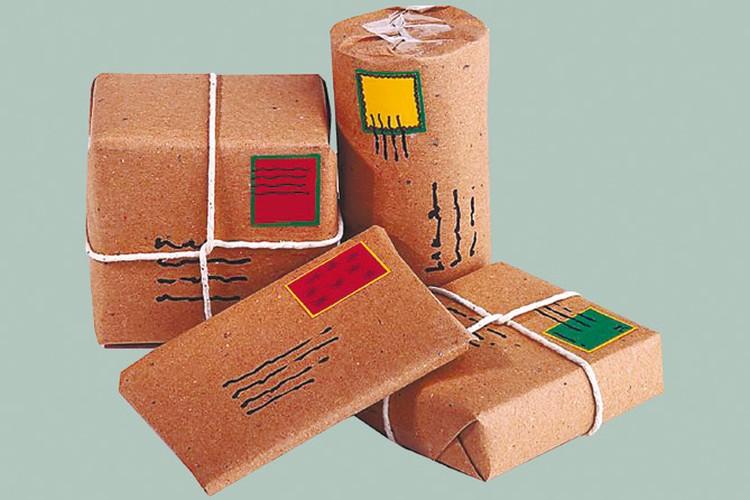 Если в месяц вы получили по почте товаров больше чем на 22 евро - нужно заплатить сбор и таможенную пошлину.