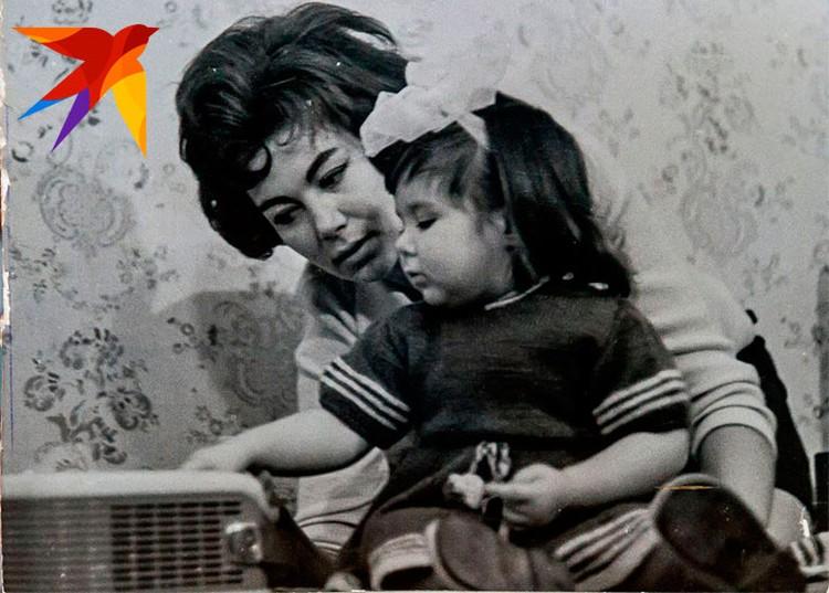 Эдита Станиславовна с дочкой Илоной.