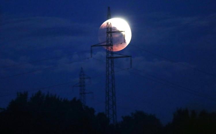 Луна 27 июля 2018 года в Боснии