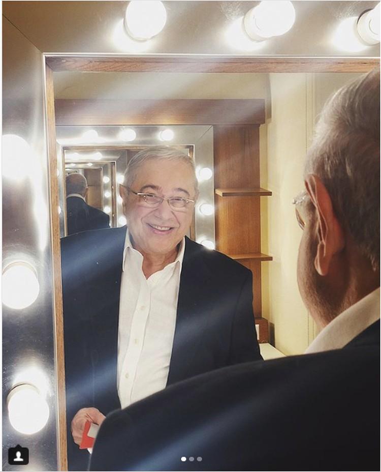 На сцену юморист вышел с улыбкой на лице. Евгений Петросян/instagram