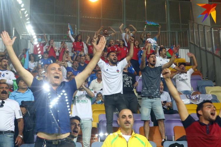На секторе «Карабаха» было около сотни болельщиков