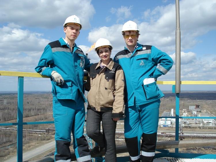 Алексей Тукмаков (слева) работал в нефтегазовой сфере
