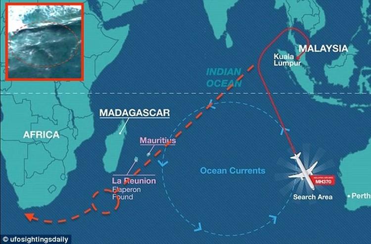 Скотт считает, что лайнер мог доплыть до Африки по течению.