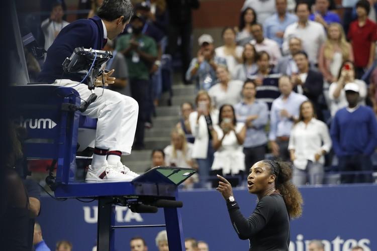 Американская теннисистка то и дело пыталась поддеть судью матча.
