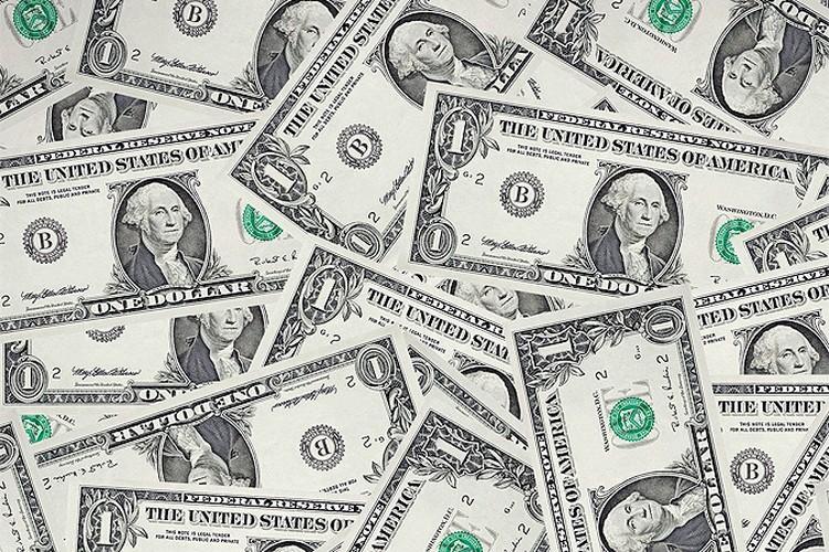 В новом пакете антироссийских санкций речь может идти об ограничении для наших банков на расчеты в долларах.