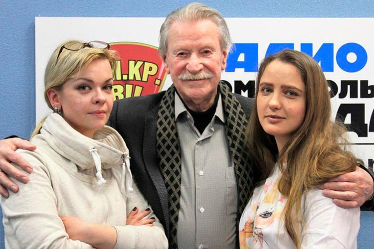 Бывшая и нынешняя супруги Краско куда охотнее принимают участие в ток-шоу, чем он.