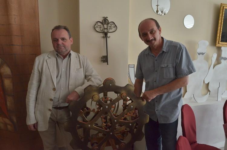 Директор Сергей Салмин и главный режиссер Олег Шахов представляют театр со 100-летней историей