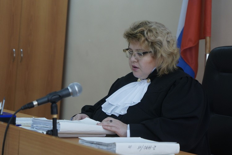 Судья решила продолжить процесс через несколько дней