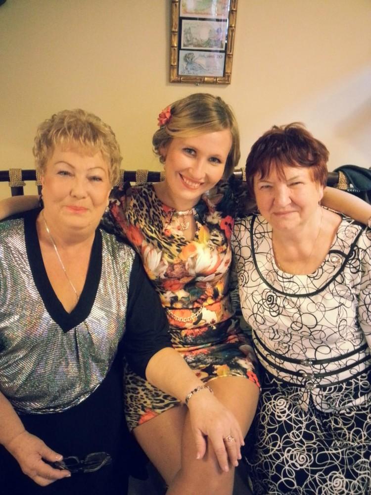 47-летняя Елена Трубина (на фото в центре) уехала 27 декабря отдыхать...