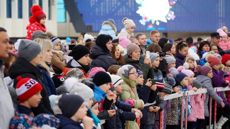 """Первые зрители новогоднего представления в """"Артеке""""."""