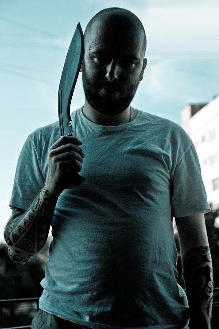 Ермолинский вооружен и очень опасен. Фото: предоставлено уголовным розыском