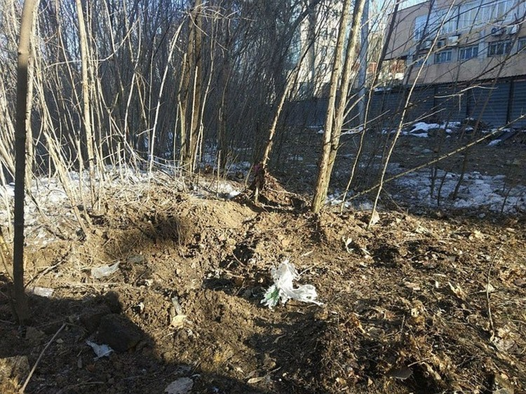 На месте взрыва продолжают работать сотрудники МВД и МГБ Республики Фото: СЦКК