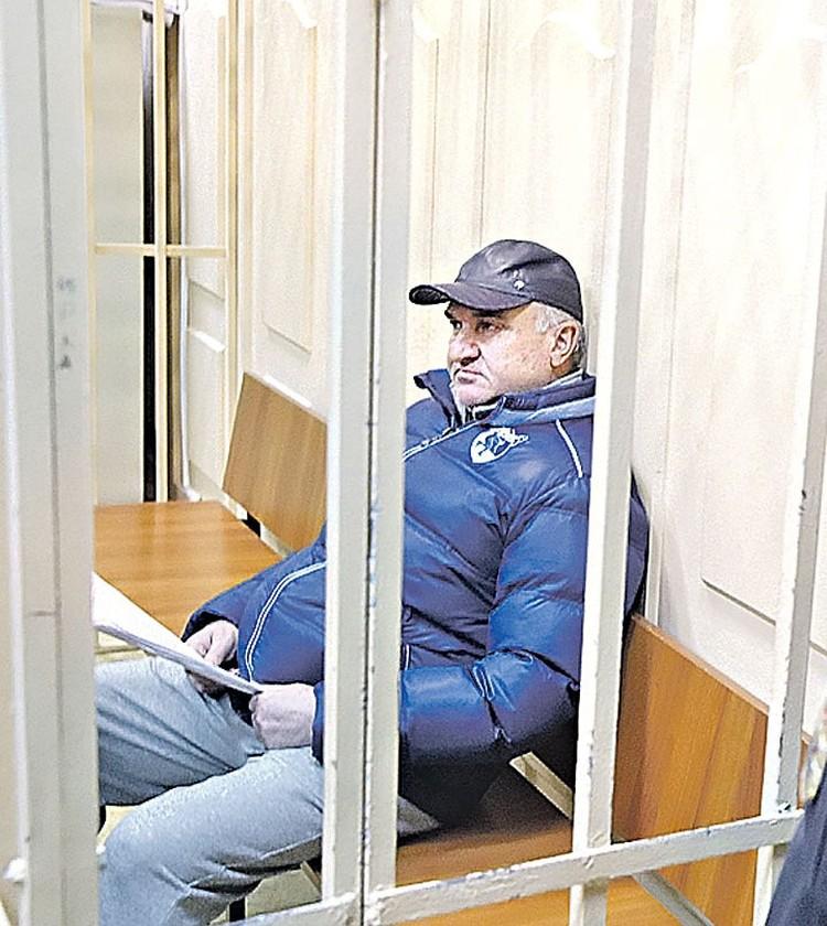 Рауль Арашуков, отец сенатора, подозревается в организации ОПС и крупномасштабном мошенничестве. Фото: Кирилл Зыков/АГН «Москва»