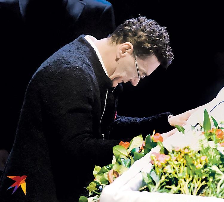 Сергей Маковецкий пришел проститься с коллегой по театру и учителем.