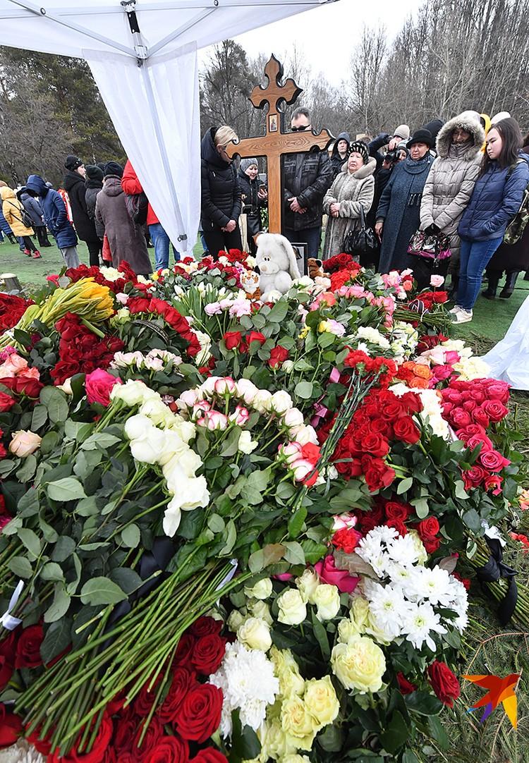 Юлию Началову похоронили на 17-м участке