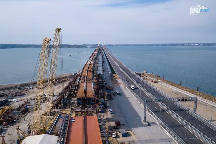Над судоходным коридором в Керченском проливе расположен самый большой пролет двухпутной дороги – арочный