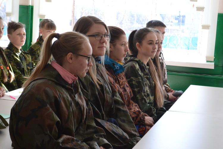 """Липецкие студенты провели """"День со спецназом"""""""