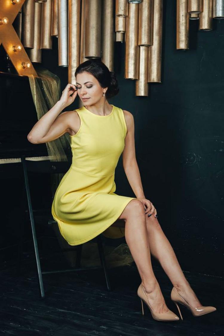 Мария Дерунова не только опытный специалист медиа-пространства, но еще и очень красивая молодая женщина.