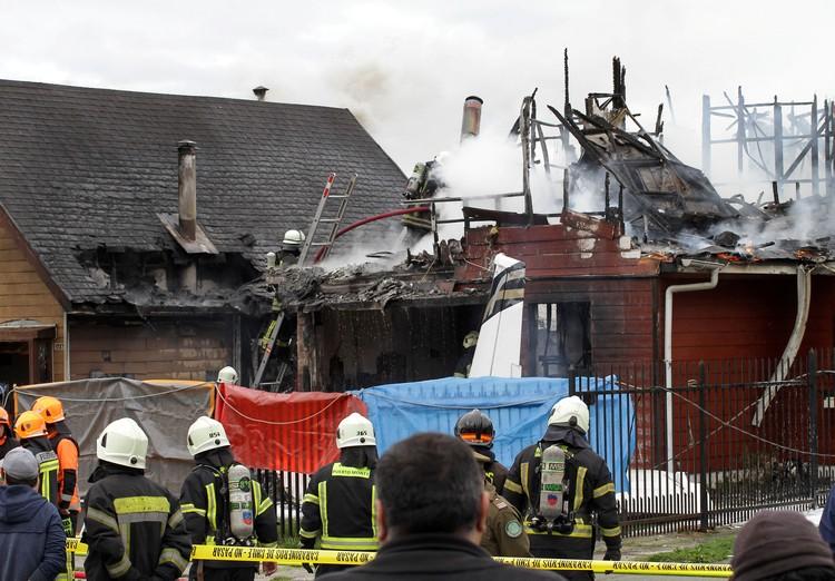 Здание почти полностью сгорела, все пассажиры и пилот самолета погибли