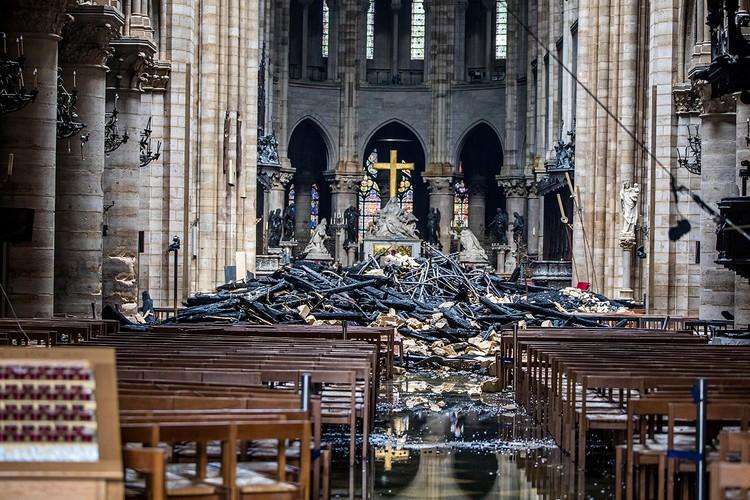 Алтарь собора уцелел